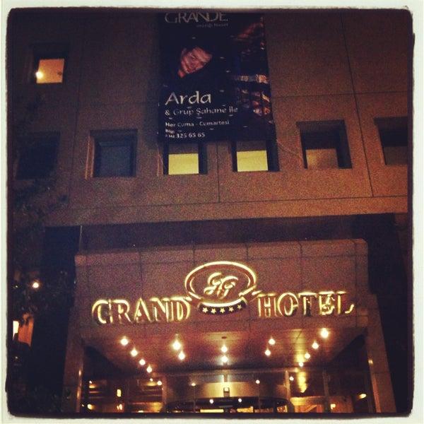 Das Foto wurde bei Grand Hotel Gaziantep von Arda Adil Ö. am 4/21/2013 aufgenommen