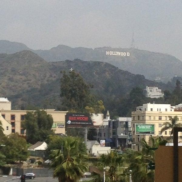 รูปภาพถ่ายที่ Hollywood & Highland Center โดย Destiny เมื่อ 3/18/2013