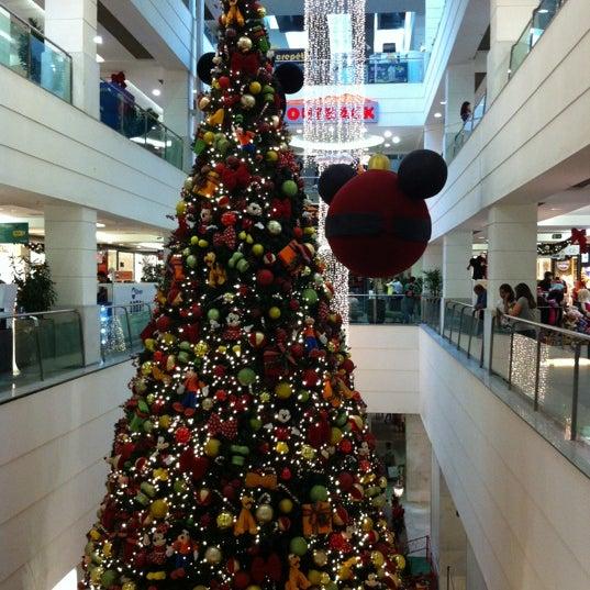 12/10/2012 tarihinde Júlia L.ziyaretçi tarafından Shopping Tijuca'de çekilen fotoğraf
