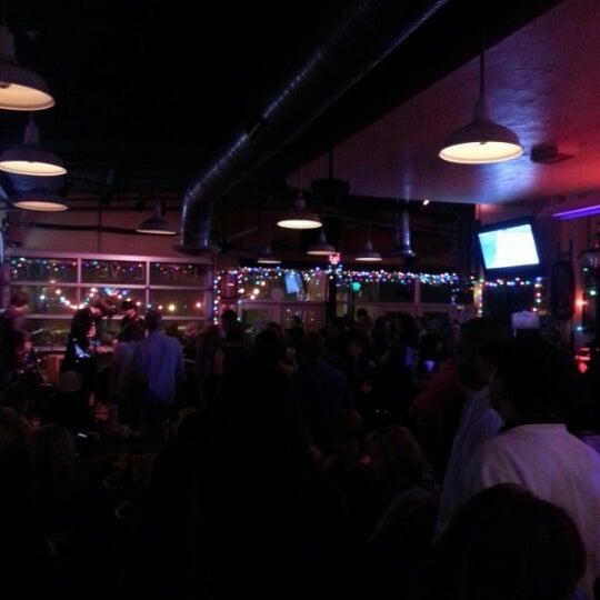 Foto diambil di Lucy's Retired Surfers Bar and Restaurant oleh Blake R. pada 3/2/2013