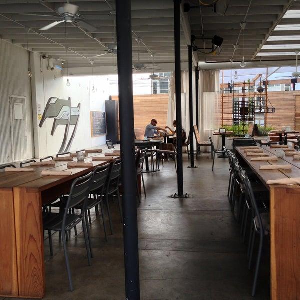 7/27/2013에 Julia B.님이 ATX by Kitchen12000에서 찍은 사진