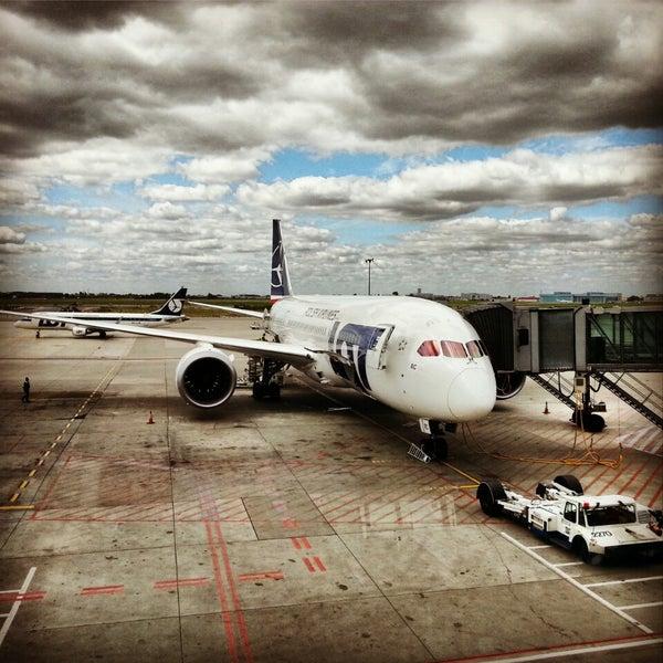 8/5/2013에 Krzysztof M.님이 바르샤바 쇼팽 공항 (WAW)에서 찍은 사진