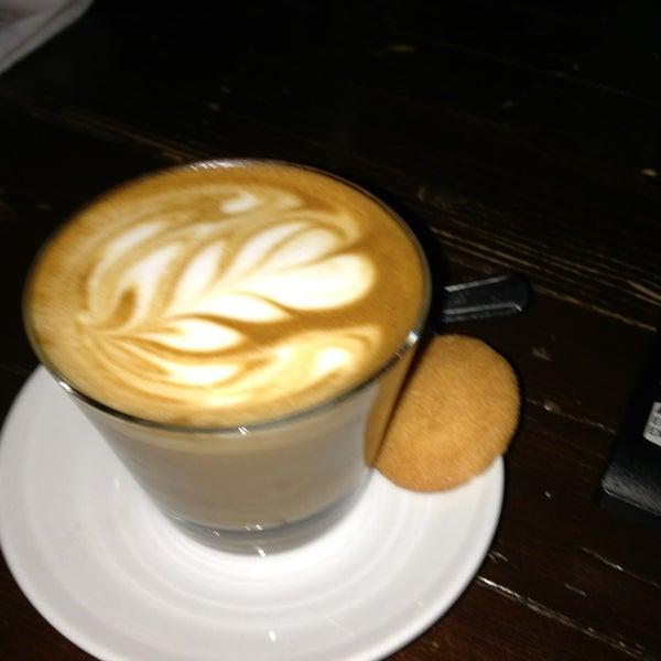 Foto diambil di The Wormhole Coffee oleh Courtney G. pada 3/2/2013