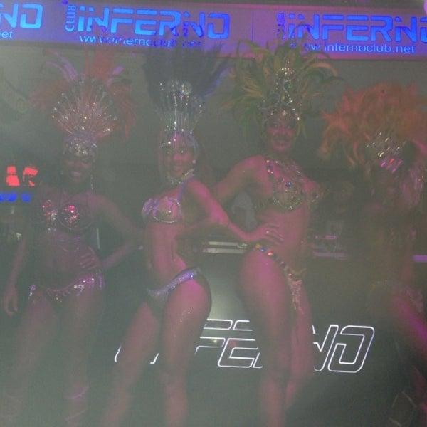 รูปภาพถ่ายที่ Club Inferno โดย Cpt. เมื่อ 7/3/2013
