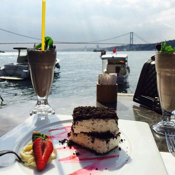 Foto tomada en Boon Cafe & Restaurant por Sibel K. el 5/1/2015