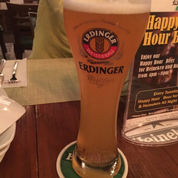 Снимок сделан в Die Stube German Bar & Resto пользователем Yukinori 11/15/2016