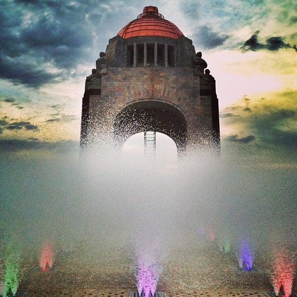 Foto tomada en Monumento a la Revolución Mexicana por Edgar G. el 7/27/2013