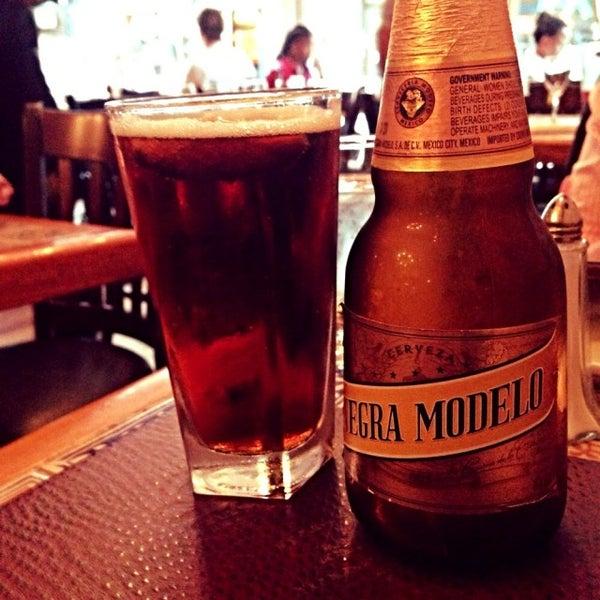 6/9/2015 tarihinde Jared C.ziyaretçi tarafından Tio Pepe Restaurant'de çekilen fotoğraf