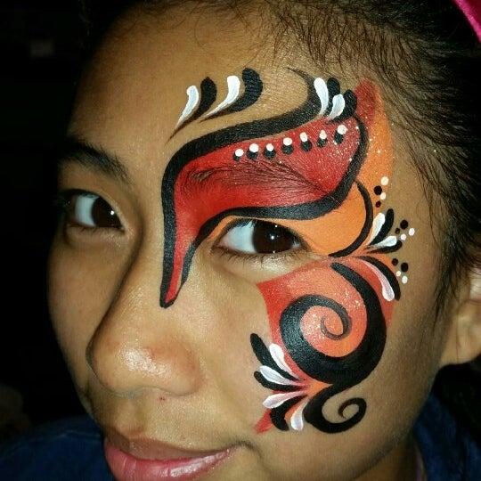 Go get face painting. IAA FESTIVAL ♡