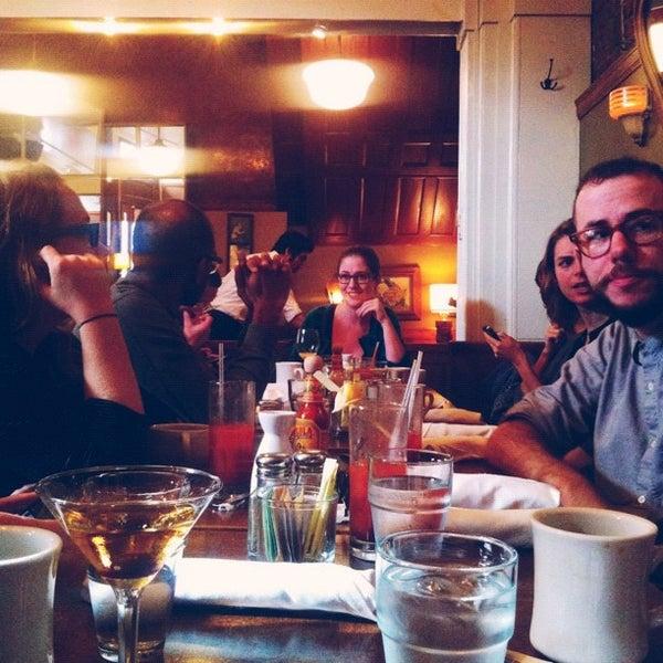 Foto tomada en Watty & Meg por Chris R. el 11/18/2012