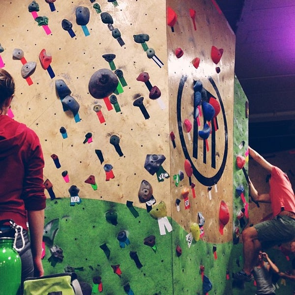 Foto tirada no(a) Brooklyn Boulders por Chris R. em 2/20/2013