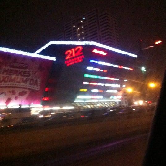 Foto tirada no(a) 212 İstanbul Power Outlet por Fatih K. em 12/16/2012