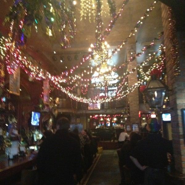 Foto tirada no(a) Bourbon Street Bar & Grille por Kristen B. em 2/12/2013