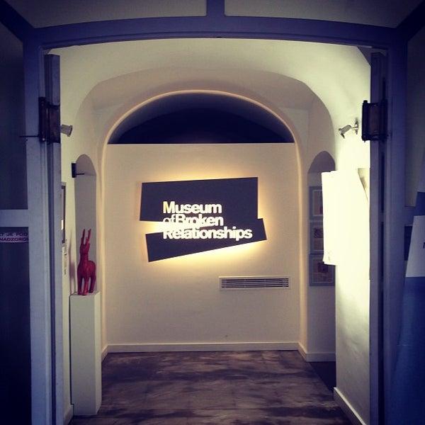 7/25/2013 tarihinde lenny n.ziyaretçi tarafından Muzej prekinutih veza | Museum of Broken Relationships'de çekilen fotoğraf