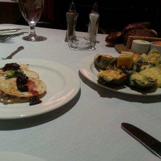 รูปภาพถ่ายที่ Horseshoe Hammond Casino โดย Roxanne R. เมื่อ 11/29/2012