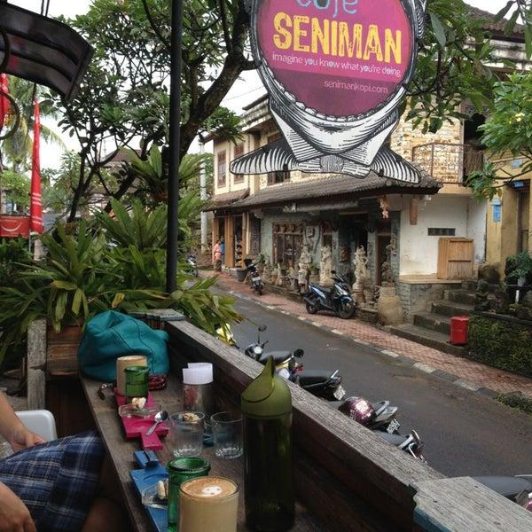 2/17/2013 tarihinde Gustra A.ziyaretçi tarafından Seniman Coffee Studio'de çekilen fotoğraf