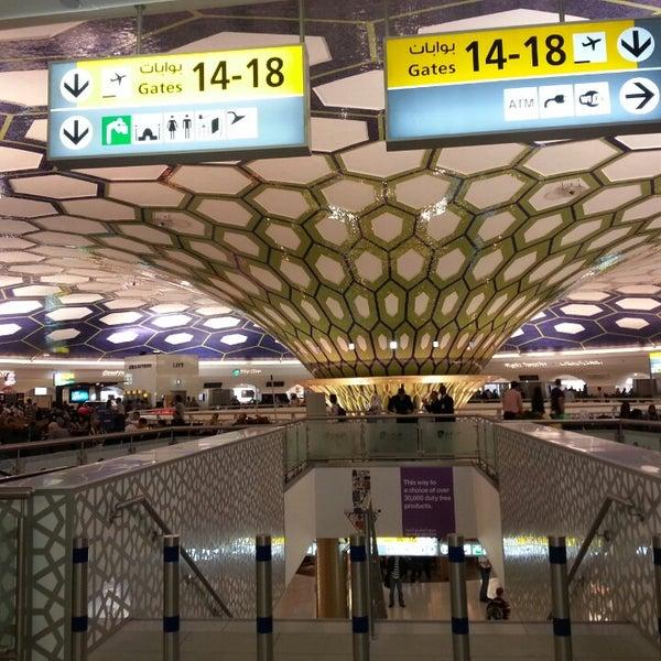 Photo prise au Abu Dhabi International Airport (AUH) par Zuzi D. le5/19/2013