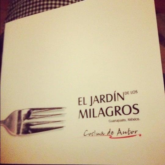 11/16/2012にAlonso D.がEl Jardín de los Milagrosで撮った写真