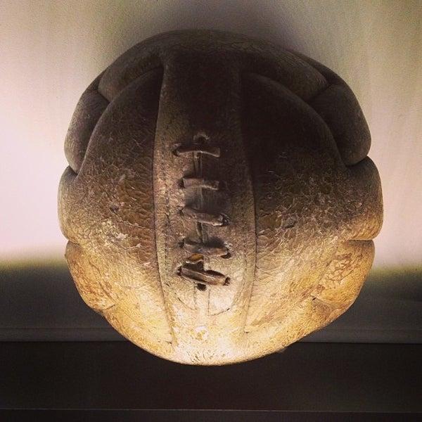 8/10/2013 tarihinde Dan C.ziyaretçi tarafından National Football Museum'de çekilen fotoğraf
