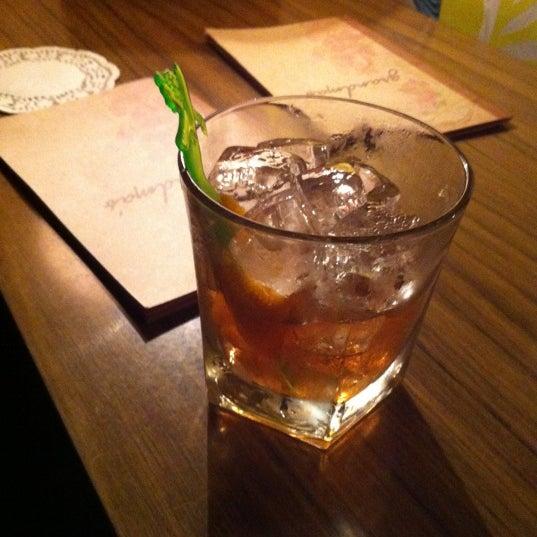 Foto tomada en Grandma's Bar por Dave I. el 11/16/2012