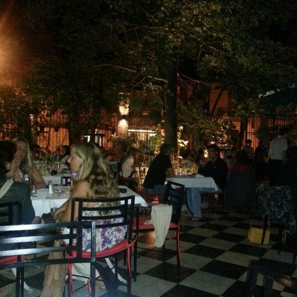 Foto scattata a Museo Evita Restaurant & Bar da Valeria O. il 3/8/2013