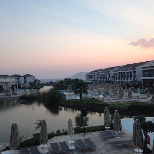 Foto scattata a Jiva Beach Resort da Deniz M. il 8/4/2015