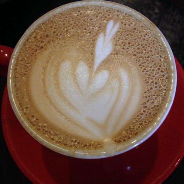 10/30/2013にMolly B.がFrogg Coffee Bar and Creperieで撮った写真