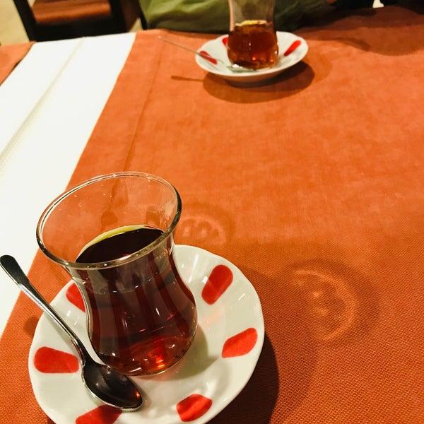 Das Foto wurde bei Tepe Restaurant von İzel Ş. am 11/15/2019 aufgenommen