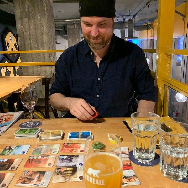 Foto tirada no(a) La Revanche café-pub ludique por Anna M. em 11/30/2019