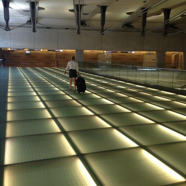 Снимок сделан в Вашингтонский аэропорт имени Даллеса (IAD) пользователем jeff t. 9/1/2013