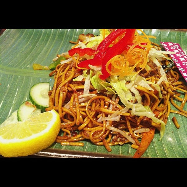 Das Foto wurde bei Makan von Lebinh N. am 10/4/2012 aufgenommen