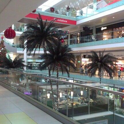 รูปภาพถ่ายที่ Athens Metro Mall โดย Πεγκυ.. !. เมื่อ 12/29/2012