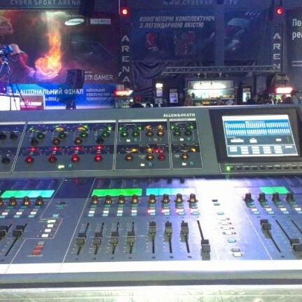 11/17/2012にВладимир М.がКиберcпорт Аренаで撮った写真