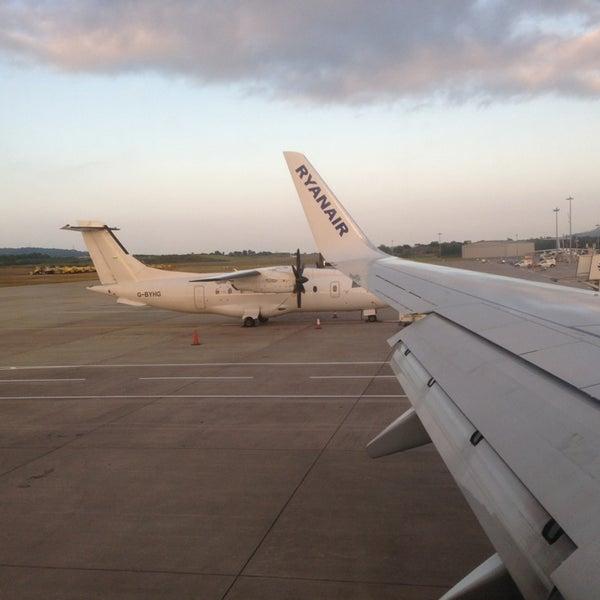 Das Foto wurde bei Edinburgh Airport (EDI) von Javier S. am 7/10/2013 aufgenommen