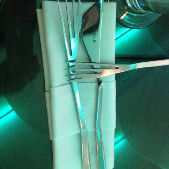 Снимок сделан в Cafe Studio 89,5fm пользователем Olka K. 12/1/2012