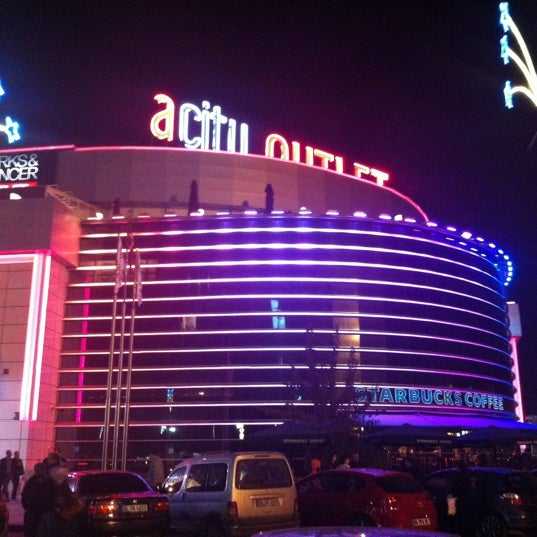 Das Foto wurde bei ACity Premium Outlet von Selim am 11/24/2012 aufgenommen