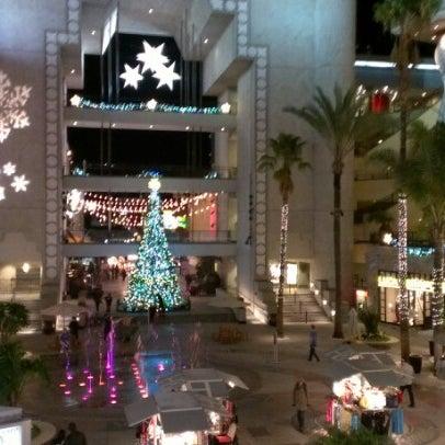รูปภาพถ่ายที่ Hollywood & Highland Center โดย Daniela D. เมื่อ 12/19/2012
