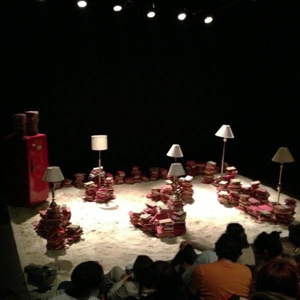 รูปภาพถ่ายที่ Foro Shakespeare โดย Mau T. เมื่อ 2/9/2013