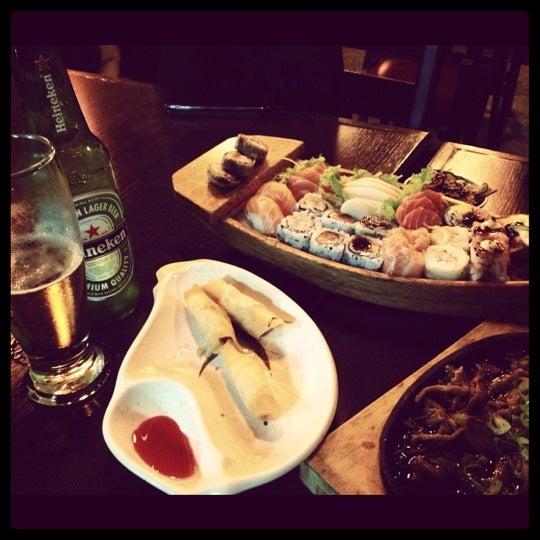 Foto tirada no(a) Kodai Sushi por Bruna F. em 12/7/2012