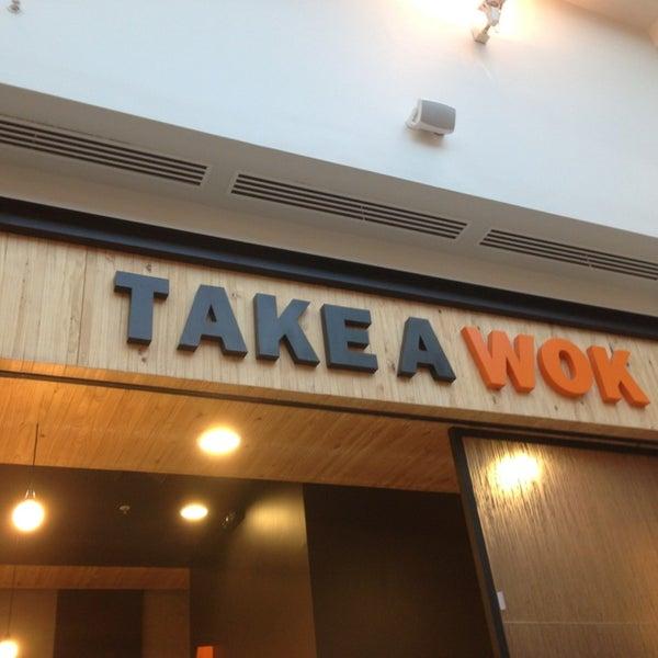 3/26/2013にAdolfo V.がTake a Wokで撮った写真