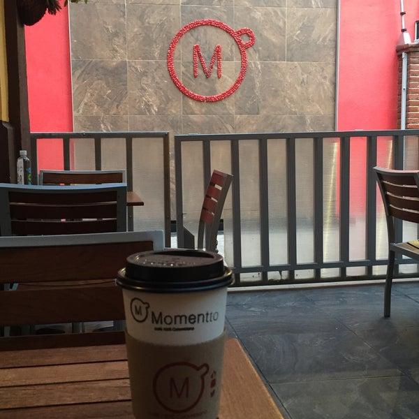 Foto tirada no(a) Momentto Café 100% Colombiano por Pao R. em 9/7/2017