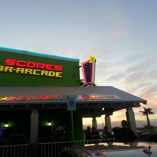 Foto scattata a Hi Scores Bar-Arcade da Constance R. il 3/17/2013