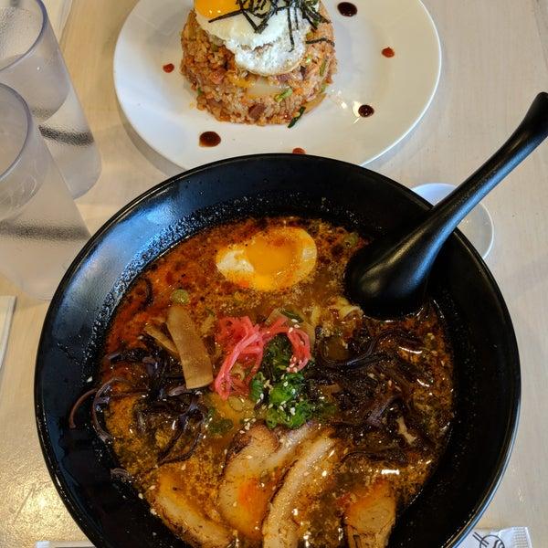 Foto tirada no(a) Chibiscus Asian Cafe & Restaurant por Richard em 1/20/2018