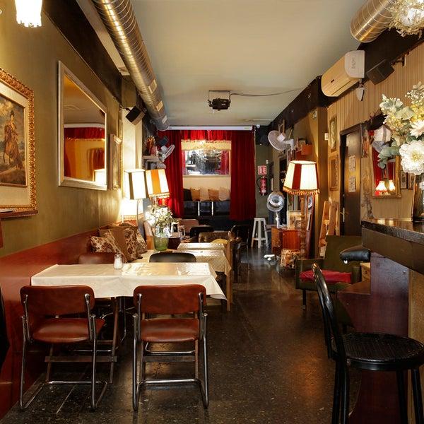 Foto diambil di Foxy Bar oleh Foxy Bar pada 8/28/2015