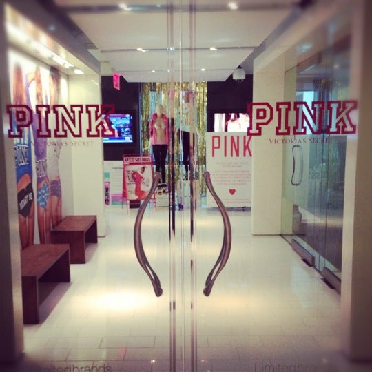 Victoria S Secret Nyhq Office In Theater District