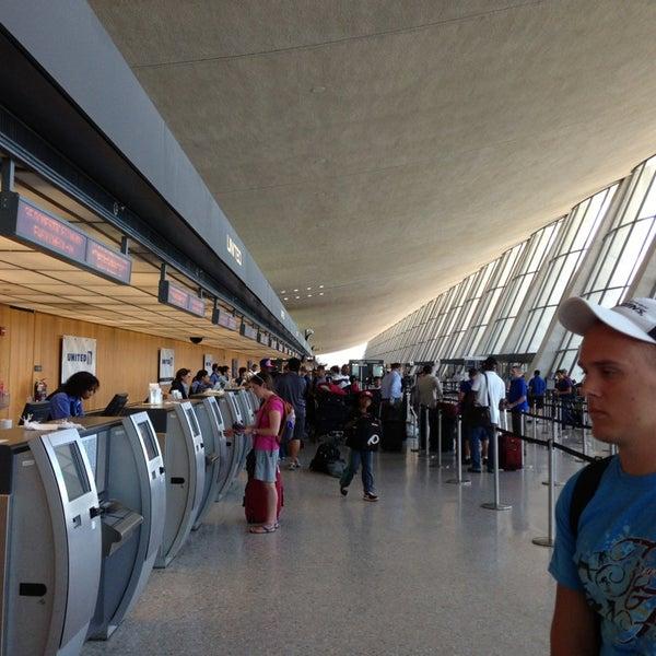 Снимок сделан в Вашингтонский аэропорт имени Даллеса (IAD) пользователем Bill W. 7/29/2013