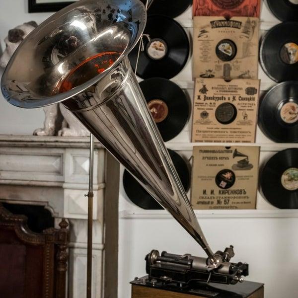 Снимок сделан в Музей граммофонов и фонографов В.И.Дерябкина пользователем Vitalya B. 6/28/2013
