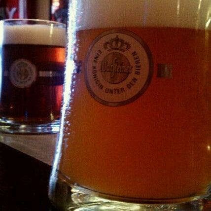 Photo prise au Buddha Beer Bar par D le9/29/2012