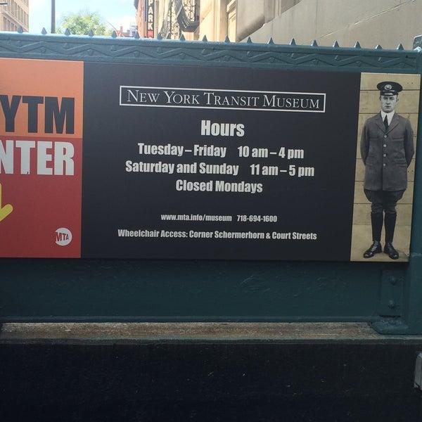 รูปภาพถ่ายที่ New York Transit Museum โดย Andrea B. เมื่อ 8/26/2015