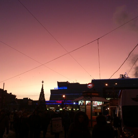 Снимок сделан в Сенная площадь пользователем Даниил Р. 12/18/2012